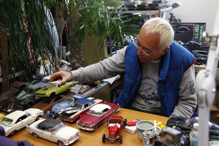 所さんにモデルカーのサビ塗装について所さんにインタビュー!