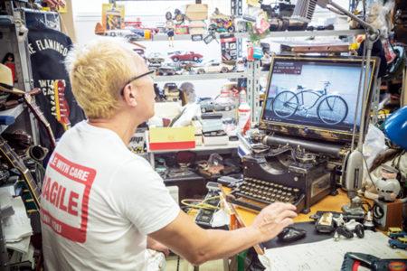 『世田谷ベースのデスクトップ事情』本当に使えるの?ビンテージタイプライターにパソコンを繋いでみたらどうなる?