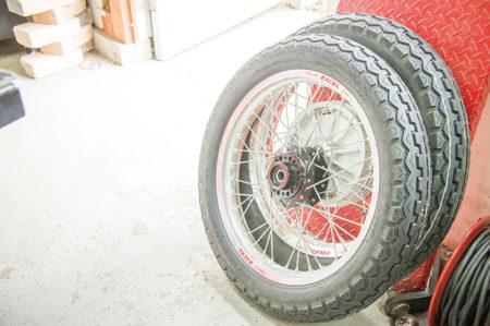 軽量なアルミリムと強力なブレーキで安心の走り具現化 BMW R75/6 カスタムプロジェクト vol.14