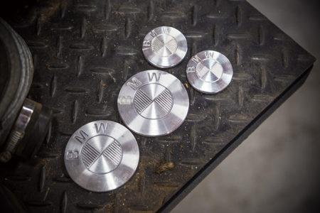 所さんがセレクトした アルミ削り出しのエンブレムがカッコイイ!! BMW R75/6 カスタムプロジェクト vol.17