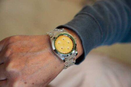 今何時ですか?? 究極の腕時計 クッキーウォッチ完成